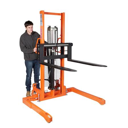 Picture for category Straddle Stackers